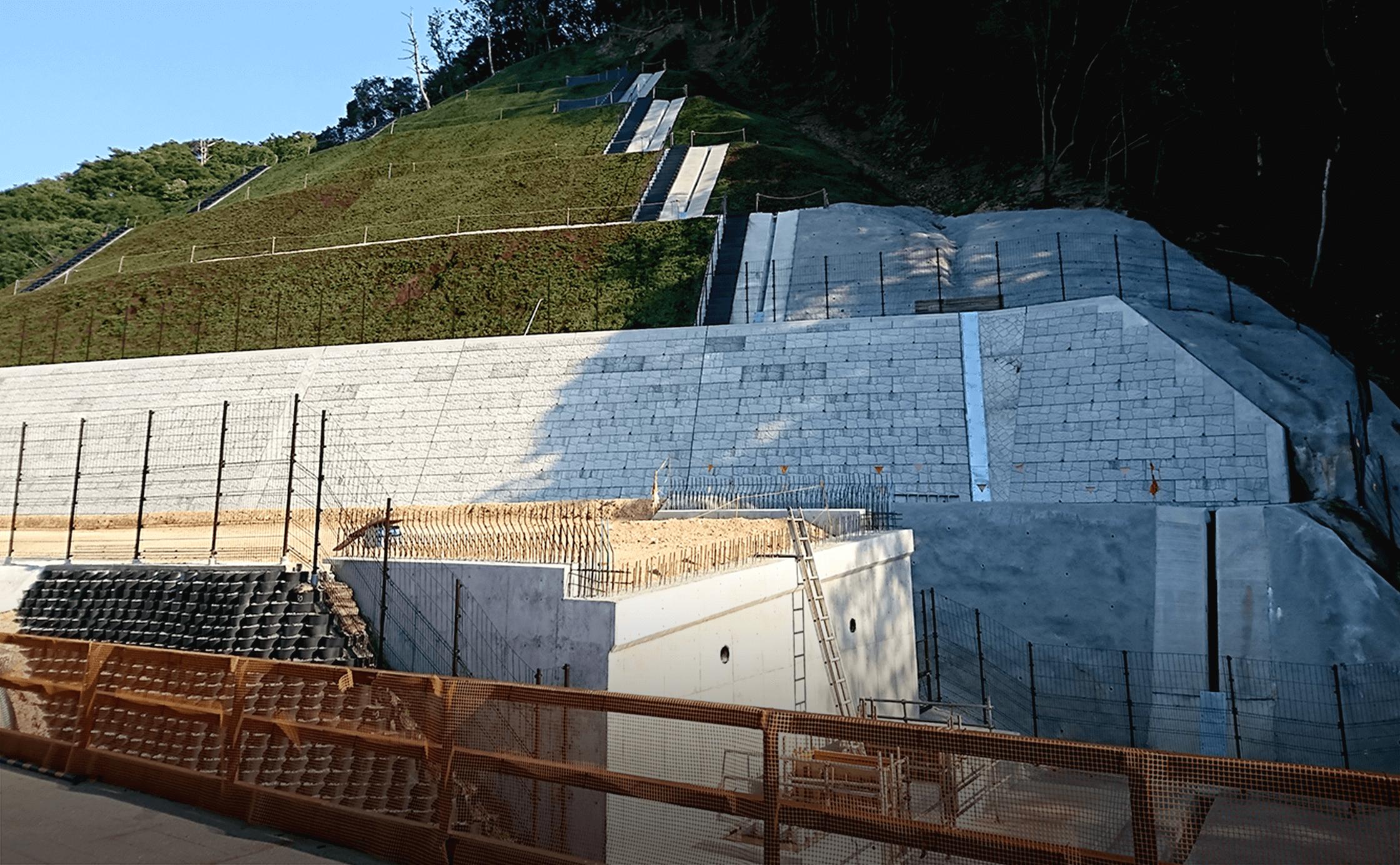 新名神高速道路亀山西ジャンクションランプ橋(下部工)工事